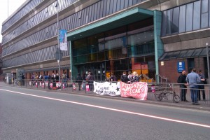 MMU picket at Dalton Building on Oxford Road